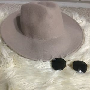 Oversized Beige Wide Brimmed Hat